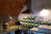 Detall de la cuina de la casa rural